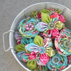 fabric flowers tutorial.