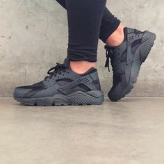 watch 0c139 2acbf Nike Air Huarache Triple Black