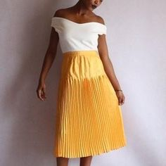 Yellow Pleated Skirt, Vintage Clothing, Vintage Outfits, True Shop, High Waisted Skirt, Dreams, Creative, Pretty, Skirts