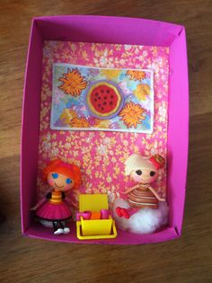This is ab-sew-lutely wonderfully creative! A Lalaloopsy diorama costume! Here's a close up! From Two Cities Two Girls: October Crafts and Costume Design