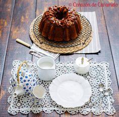Bundt cake de Toffee con caramelo salado y nueces caramelizadas