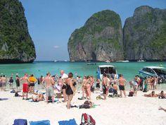 Für Urlauber aus Deutschland, Österreich und der Schweiz ist Thailand ein günstiges Reiseziel. Dennoch kann eine Reise auf die Insel Phuket ziemlich teuer werden, gerade wenn das Budget für die Rei…