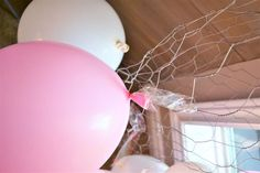 Balloon Arch Tutorial! - Tape Balloons to Chicken Wire