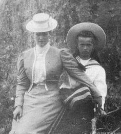 Empress Alexandra Feodorovna with Grand Duchess Olga