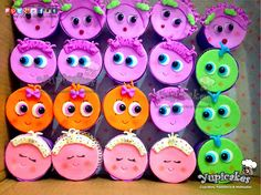 Si eres fan de #distroller #neonatos no puedes dejar pasar estos #deliciosos #cupcakes! Trabajamos sobre diseño, con #exquisitos resultados al plasmar tu idea.