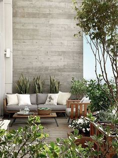 une terrasse design / bois et gris Outdoor Areas, Outdoor Rooms, Outdoor Furniture Sets, Outdoor Decor, Outdoor Decking, Rustic Furniture, Balcony Furniture, Antique Furniture, Outdoor Lounge