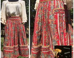 French VALDROME Provencal Skirt - Provence France - Folk Fashion - Quilted Skirt - Vintage French Clothing - Valdrome Fabric - Womens Medium