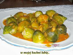 W Mojej Kuchni Lubię..: brukselka z sosem pomidorowym...