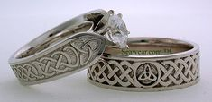 Celtic Love Knot Ring Platnium Simple
