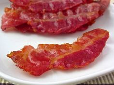 Crispy bacon (low-carb, paleo). A recipe from KetoDiet for the iPad, KetoDiet Basic for the iPhone and KetoDiet Kindle book.