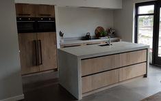 Moderne Keukens - Gerard Hempen - Handgemaakte Keukens van Hout Home Kitchens, Cozy Kitchen, Kitchen Design, Kitchen Inspirations, Cottage Kitchen, Kitchen Wood Design, Kitchen Countertops, Kitchen Dining, Oak Kitchen