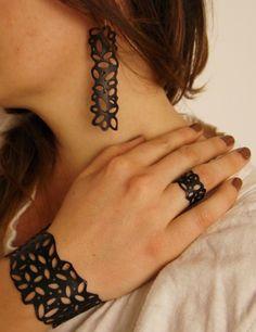 Bracelet, bague et boucles d'oreilles en chambre à air