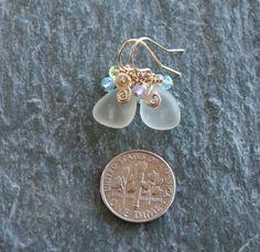 Sea Glass Earrings White Gemstone Cluster por OceanCharmsSeaGlass