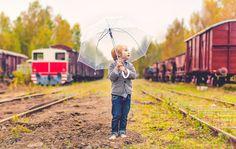 finnish photographer, porvoo, porvoo linnamäki, valokuvaaja porvoo, lilychristina, lilychristina photography, portraits, children photography, children , lapsikuvaus, porvoon vanha juna-asema, vanha porvoo, porvoon vanha kaupunki, autumn, child, kids