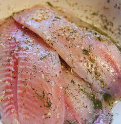 Perto da semana santa uma das receitas que você mais me pedem é como temperar peixe (para fritar e para assar). E hoje a receita que eu preparei para vocês é um tempero super versátil para temperar peixes em geral, uma para temperar qualquer tipo de peixe assado e a outra é para temperar qualquer tipo de peixe frito.