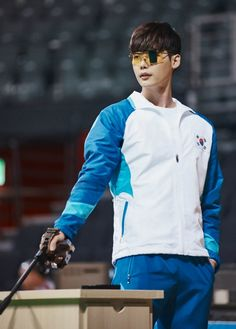 W's Olympian shooter and rookie doctor » Dramabeans Korean drama recaps W–Two Worlds premieres July 20 following Lucky Romance.