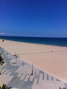 Platja de Torredembarra en Torredembarra, Cataluña Your Location, Places Ive Been, Beautiful Places, Barcelona, Traveling, Explore, Beach, Water, Happy