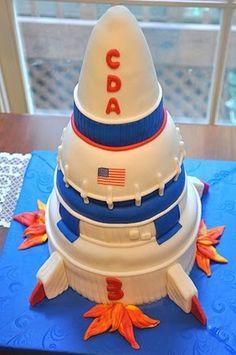 Rocket cake for your daddy Birthday Cake For Brother, 1st Birthday Cakes, Birthday Parties, Cake Icing, Eat Cake, Cupcake Cakes, Beautiful Cakes, Amazing Cakes, Rocket Ship Cakes