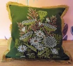 VTG-HAND-EMBROIDERED-CREWEL-WORK-HAND-MADE-PILLOW-16-SQ