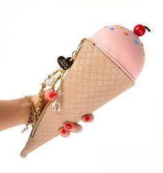 Betsey pink ice cream bag So adorable in excellent condition. Unique Purses, Unique Bags, Cute Purses, My Bags, Purses And Bags, Betsey Johnson, Mochila Adidas, Patricia Field, Fashion Handbags