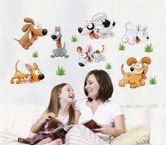 Grappige hondjes voor op de kinderkamer! Kijk snel op www.hippemuurstickers.nl