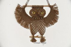 Wall hanging home ornament. Beige macrame owl with sunflowers. Diy Arts And Crafts, Metal Crafts, Cute Crafts, Macrame Owl, Macrame Knots, Owl Patterns, Macrame Patterns, Paper Sunflowers, Macrame Wall Hanging Diy