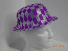 Sombrero Ref. Bombín escarchado en colores neón. Morado.   PinateriasMedellin  DecoracionFiestasMedellin  FiestasTematicasMedellin 35174d48437