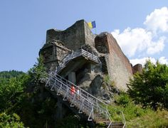 Discover the Beauty and Mystery of Romania's Castles: Poenari Castle