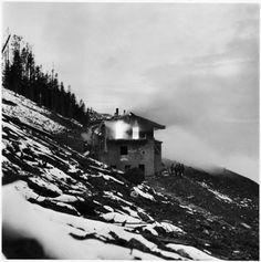 David E. Scherman - Adolf Hitler's mountain retreat in flames, Berchtesgaden, Germany, 1945