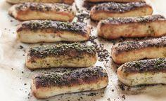 מקלוני לחם רכים מצופים זעתר שמתאימים לכל ארוחה ולכל שעה ביום, עם מטבל או ככה סתם. עם המתכון הזה, לא תאמינו כמה פשוט להכין אותן