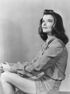 Katharine Hepburn Check out the website for Old Hollywood, Golden Age Of Hollywood, Hollywood Stars, Hollywood Actresses, Classic Hollywood, Actors & Actresses, Hollywood Bedroom, Katharine Hepburn, Audrey Hepburn