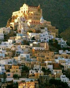 Sitting on the roof eating cake, stealing my passport back and legging it. Syros Greece, Athens Greece, Mykonos Greece, Dream Vacations, Vacation Spots, Santorini, Wonderful Places, Beautiful Places, Places To Travel