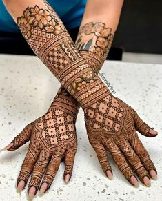 Latest Amazing Mehndi Designs For Parties Hello Guys! here you will see Latest Mehndi Designs with Amazing Patterns for your Hands and. Engagement Mehndi Designs, Latest Bridal Mehndi Designs, Indian Henna Designs, Full Hand Mehndi Designs, Dulhan Mehndi Designs, Modern Mehndi Designs, Wedding Mehndi Designs, Mehndi Design Pictures, Arabic Mehndi Designs