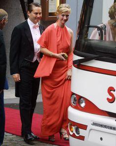Princess Nathalie of Sayn-Wittgenstein-Berleberg wears this tiara for Crown Prince Haakon of Norway's wedding on August 25, 2001.