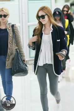 [130328] Jessica at Gimpo Airport from Osaka
