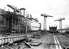Un vaixell a les drassanes de la ria de Bilbao, 1920. Autor: Arnau Izard i Llonch