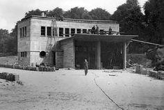 1939. Tunnelwacht garage Zuid in aanbouw. Hierin komen de sleep wagens te staan