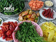 sap kısmından ayrılır ve dilediğiniz büyüklükte kesilir. Salatalıklar özenle yıkanır içinde en çok Indian Dishes, Seaweed Salad, Green Beans, Restaurant, Vegetables, Cooking, Ethnic Recipes, Food, Amigurumi