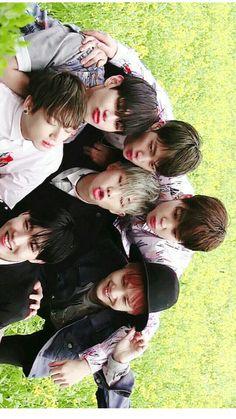 Luv u guys Bts Boys, Bts Bangtan Boy, Jimin Jungkook, Foto Bts, K Pop, Loli Kawaii, Bts Group Photos, V Bts Wallpaper, Bts Wallpaper