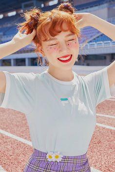 gfriend yerin for innisfree x fila Kpop Girl Groups, Korean Girl Groups, Kpop Girls, Extended Play, G Friend, K Idol, Beautiful Redhead, Models, Social Platform