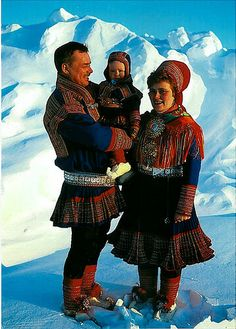 Norway Samefamilie i festdrakt fra Kautokeino