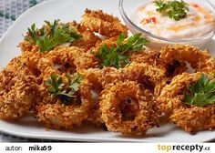 Czech Recipes, Ethnic Recipes, Party Snacks, Tandoori Chicken, Food And Drink, Veggies, Pizza, Meals, Cooking