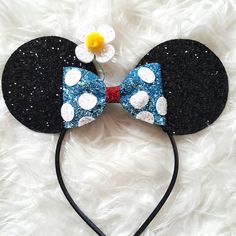 Vintage Inspired Minnie Mouse Our Ultra Sparkly non shedding Minnie Ears are the perfect touch for your next Disney Trip Ears are 3 in diameter Hard headband Fits age 2-adult Ships in 3-5 business days.