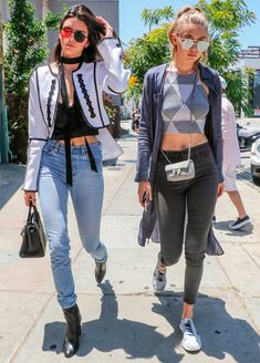 Look de BFF: 8 outfits de Gigi e Kendall pra roubar já