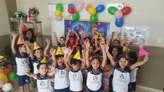 Festa na Escola utilizei o painel  balões Chapéus Toalha de mesa e o bolo