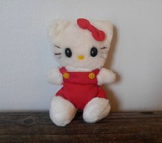 I had the one with a BLUE dress, Vintage 1983 Sanrio Hello Kitty!