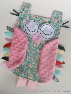 THIS IS BRILLIANT!!! NEED TO MAKE THIS!!! We have all teh first bedding sets etc with owls so perfect match! Hush little hoot owl (baby craft)