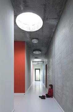 walton uni: DLW Linoleum References - School Canteen zum Grauen Kloster Berlin - Armstrong