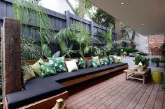 Stunning 46 Best Small Backyard Landscaping Ideas On A Budget. Outdoor Areas, Outdoor Rooms, Outdoor Eating Areas, Modern Outdoor Benches, Modern Outdoor Living, Modern Pergola, Diy Pergola, Backyard Patio, Backyard Landscaping