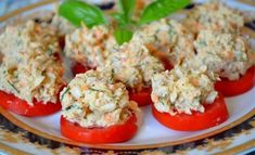 Snack of canned fish from Natasha Chagay / Amazing Cooking Yummy Appetizers, Yummy Snacks, Yummy Food, Food Table Decorations, Quick Recipes, Healthy Recipes, Romanian Food, Russian Recipes, Pepper